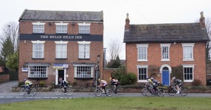 aIMG_9630 The leaders - Second time past the Bulls Head in Inberrrow.