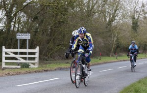 aIMG_9757 Leading three start up Gooms Hill for third time